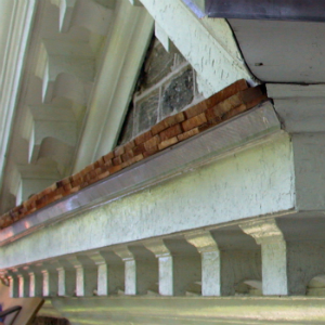 From stone cottage to georgian style in colonial america for Colonial cornice