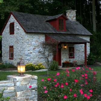 old stone cottage, circa early 1700s, Atglen, Pennsylvania, stay in an old stone cottage