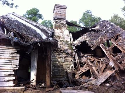 Rhode Island cape cod home, old stone houses, stone masonry, architect Leonard J. Baum