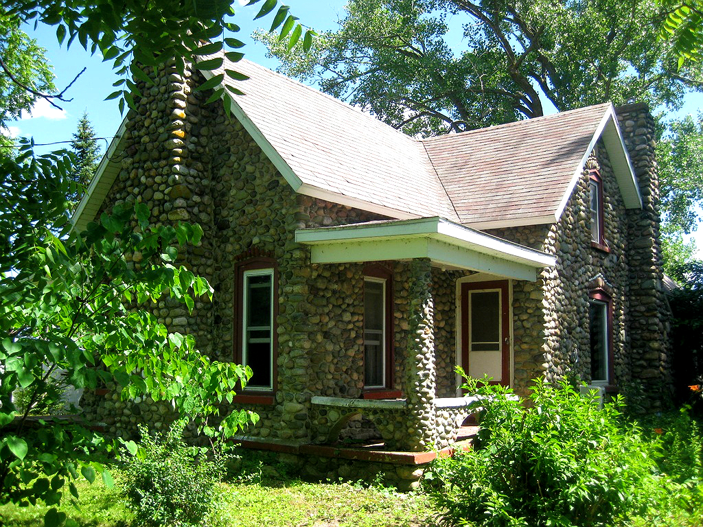 cottage grand in lakefront traverse f searchlist michigan for cottages city sale waterfront asp yes lake county